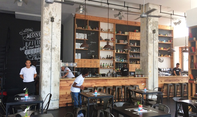 mustacchio-cafe-review_i-am-online_andy-moller-blog-1